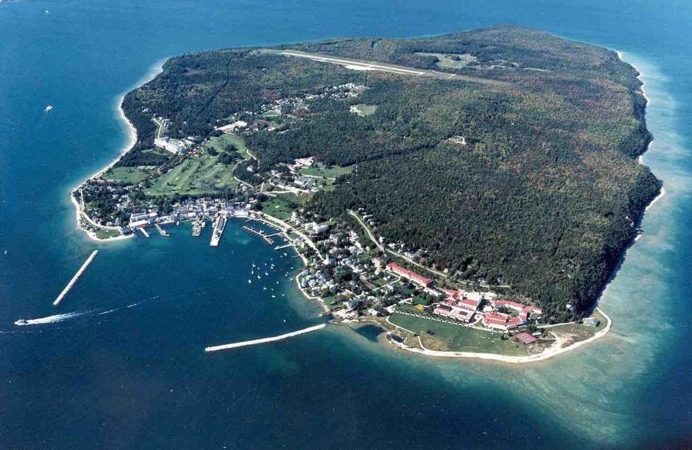 989 Area Code Mackinac Island